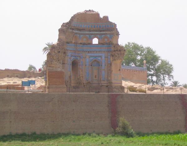 Uch, mausoleum of Bibi Jawindi (2)