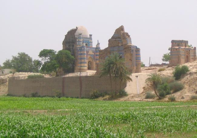 Uch, mausoleum of Bibi Jawindi (3)