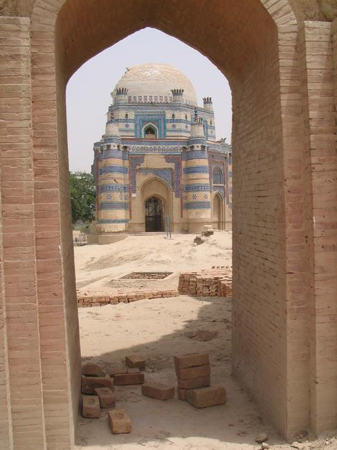 Uch, mausoleum of Bibi Jawindi (4)
