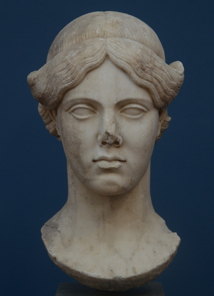 Syracuse, portrait of a Flavian lady