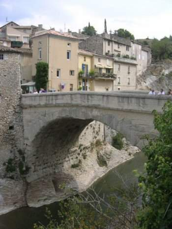 Vaison, bridge