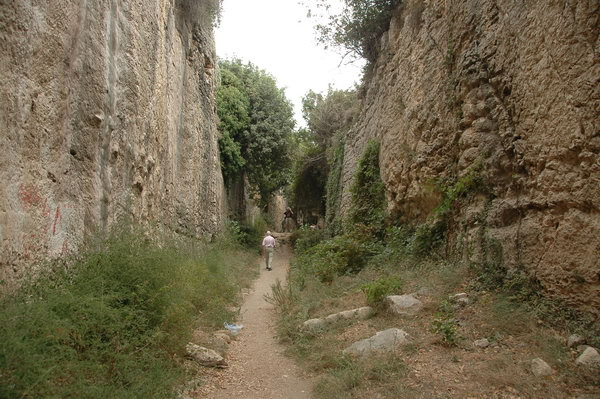 Seleucia in Pieria: canal with tombs