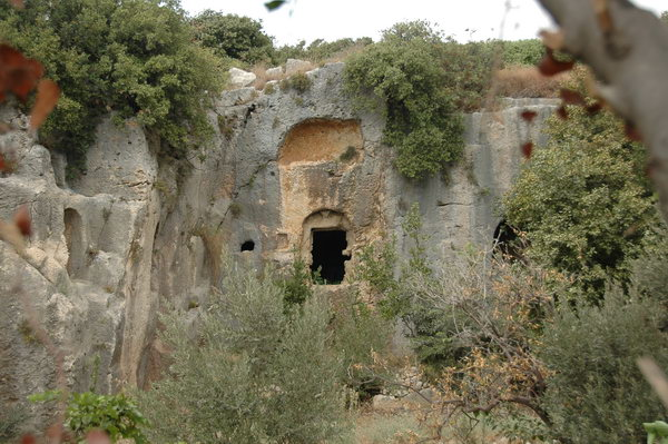 Seleucia in Pieria: rock tombs (1)