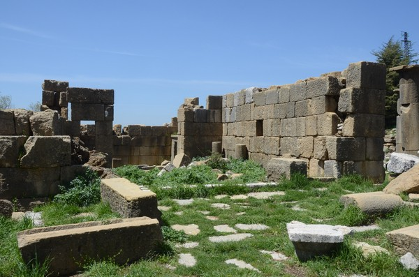 Faqra, temple of Atargatis, general view (2)