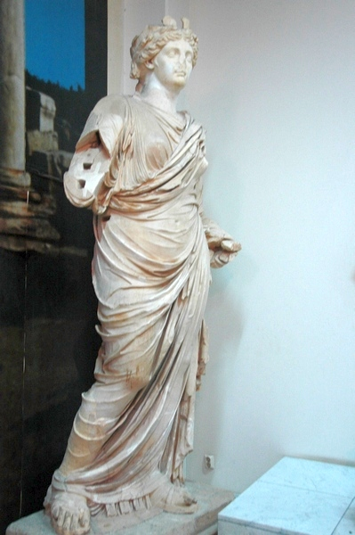 Lepcis, Theater, statue of Livia
