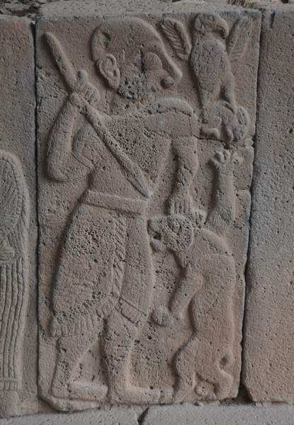 Karatepe, North Gate relief, Fight against a lion