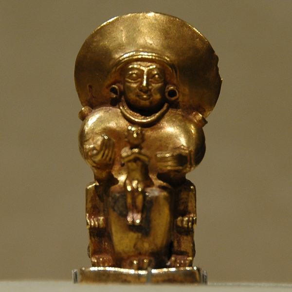 Gold statuette of Arinna