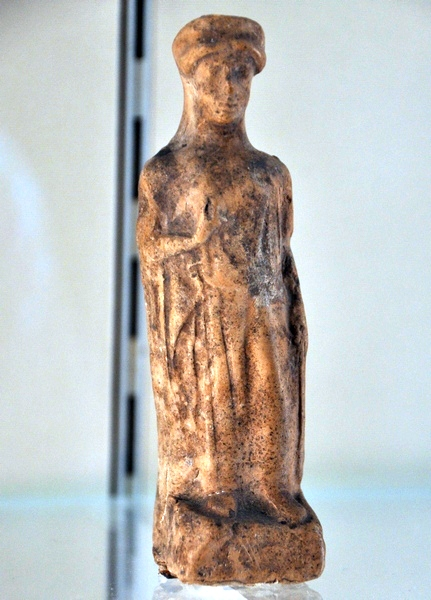 Kition, Statuette of a woman