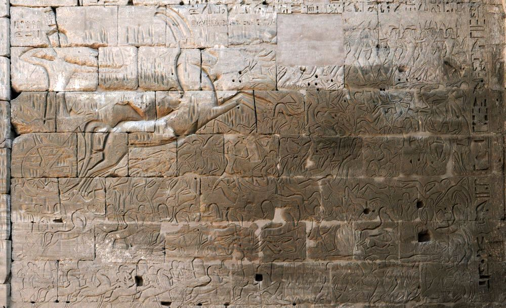 Medinet Habu, Temple of Ramesses III, Ramesses fighting against the Sea People