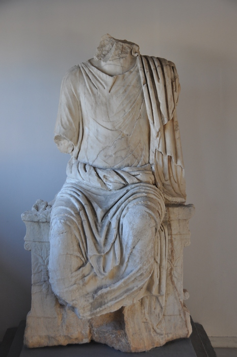 Isthmia, Late stadium, Statue of an emperor