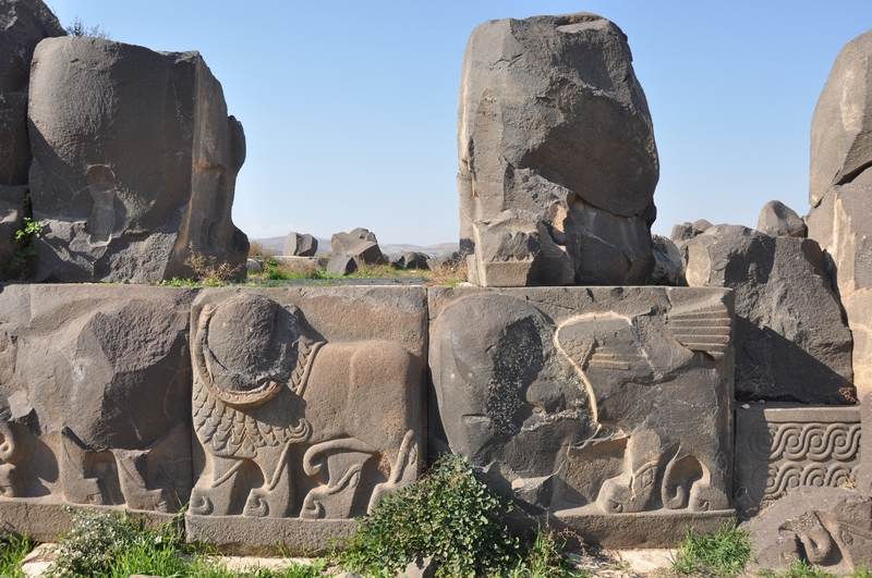 Ain Dara, Orthostats (1) two lions an a sphinx