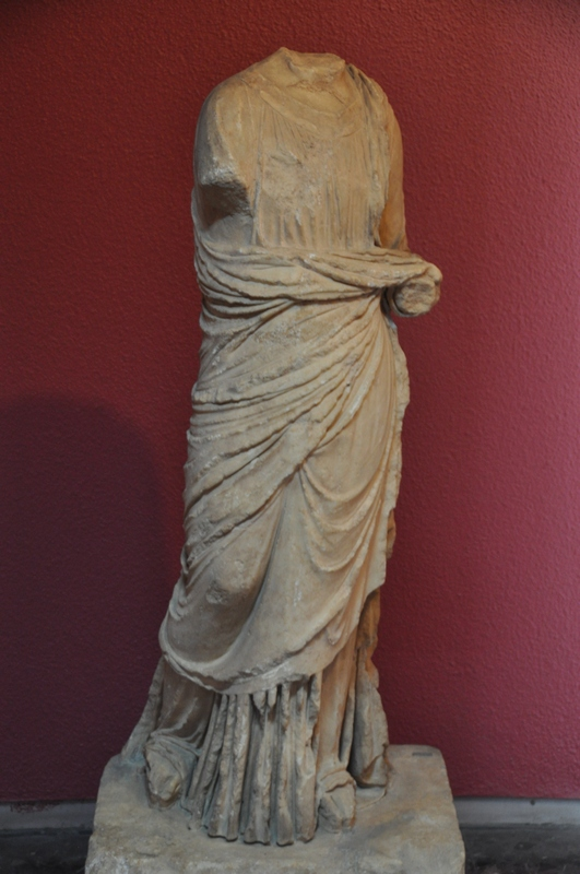 Sardes, Statue of a Roman lady