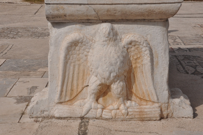 Sardes, Synagogue, Table, Eagle (2)