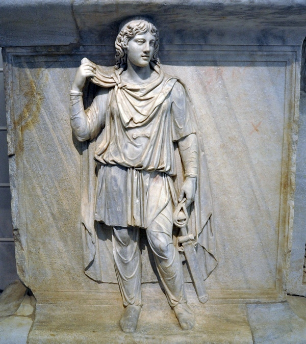 Rome, Temple of Hadrian, Relief (1)