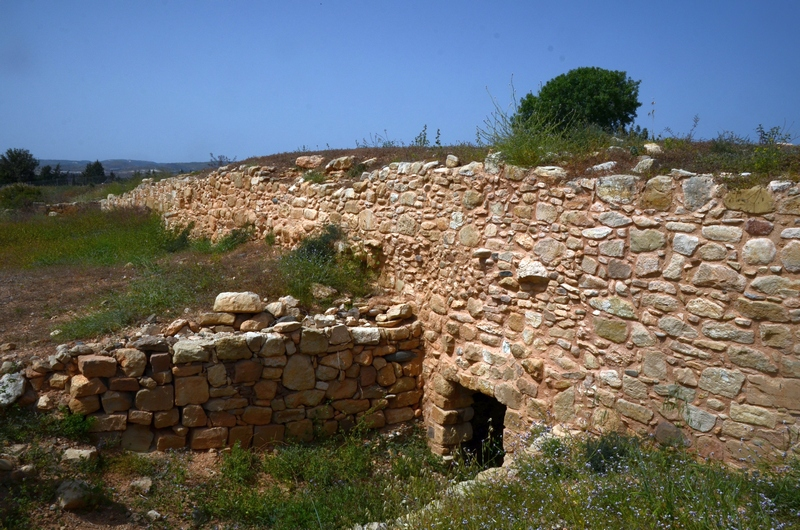 Kouklia, Marchellos, Entrance to one of the tunnels (2)