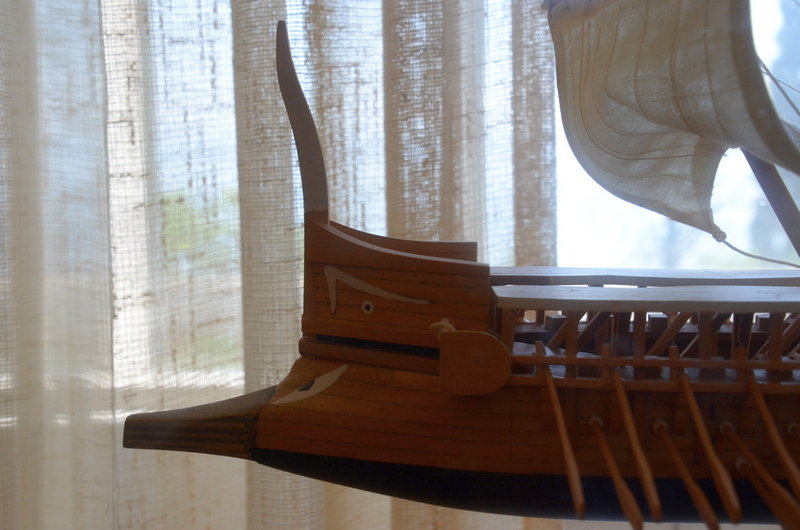 Modern model of a triere, Prow