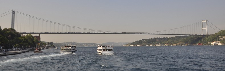 The modern Fatih Bridge is at the site of Darius' bridge