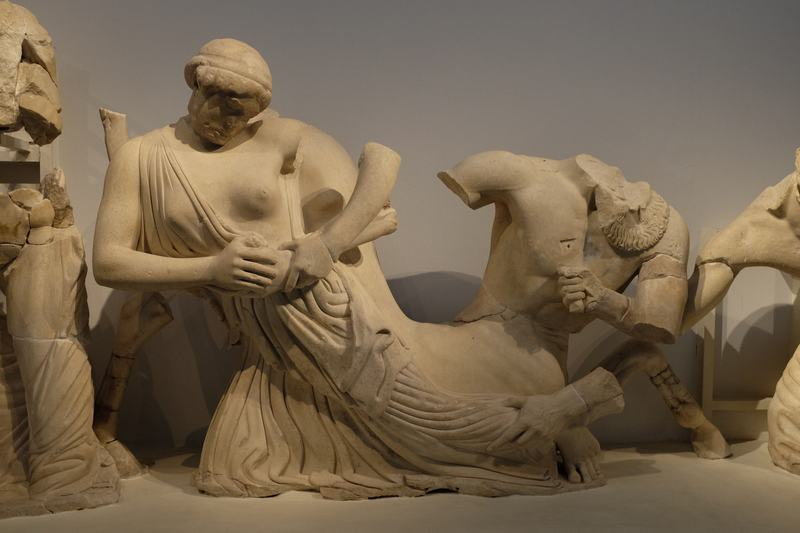 Olympia, Temple of Zeus, West Pediment, Centaurs and Lapiths (2)