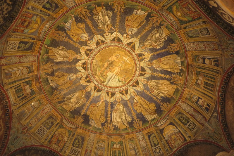Ravenna, Orthodox Baptistery, Ceiling with mosaic of the baptism of Christ