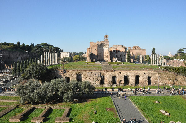 Temple of Venus and Roma, substructure