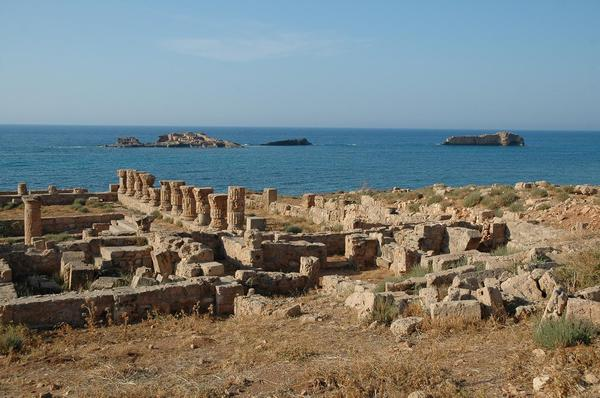 Apollonia, Bathhouse and port