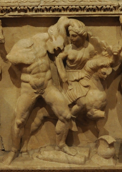 Perge, Heracles sarcophagi 09: Heracles and the Belt of Hippolyte